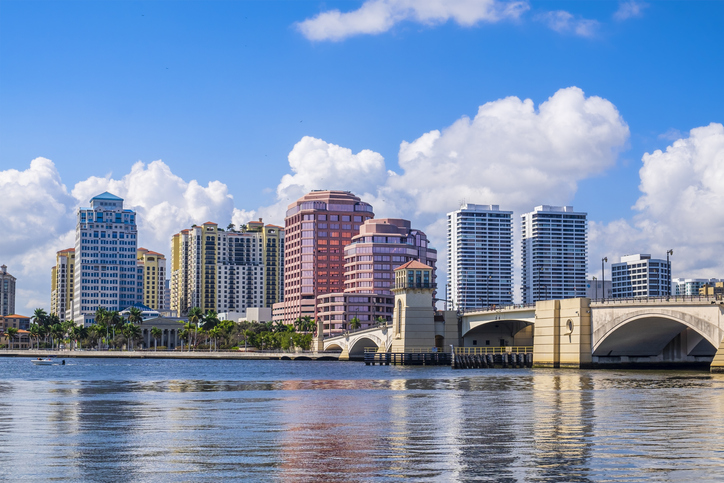 SureTel Gives West Palm Beach Window And Door Company Superior Alternative To Comcast Business App
